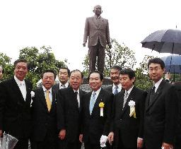 故竹下元首相の銅像建立/島根で除幕式   故竹下元首相の銅像建立 ...