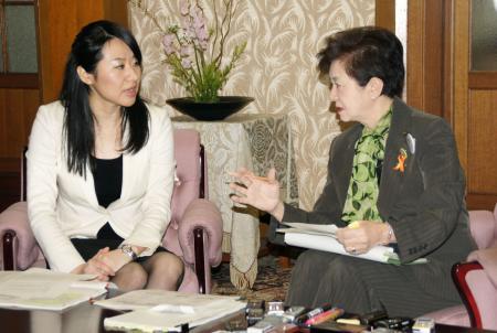 中2自殺、大津市長が県に要望/「守秘義務確立を」