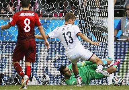 ドイツ4―0ポルトガル/ミュラーが3得点 | ドイツ―ポルトガル 後半 ...