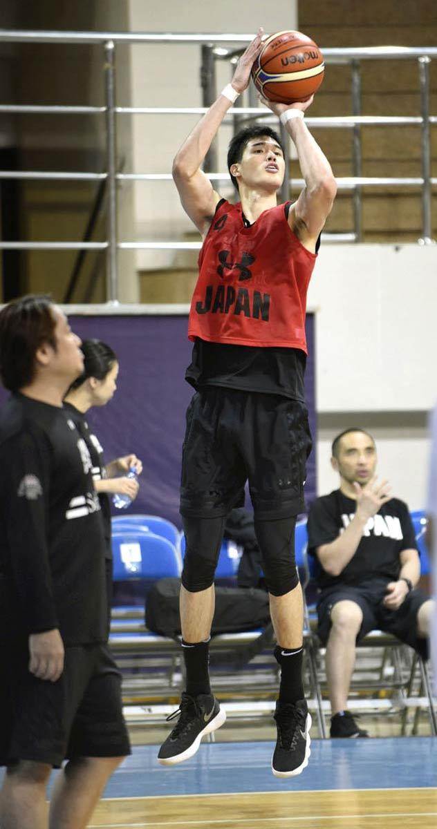 渡辺(尽誠高出)「代表の力に」 バスケW杯予選