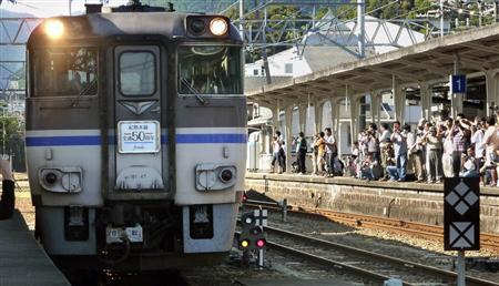 和歌山、フィナーレ号に400人/旧国鉄時代に活躍 | 臨時の特別急行 ...