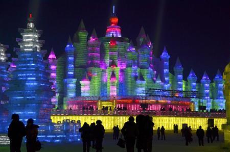 印刷用】極寒のハルビンで「氷雪祭り」/中国黒竜江省、幻想世界に ...